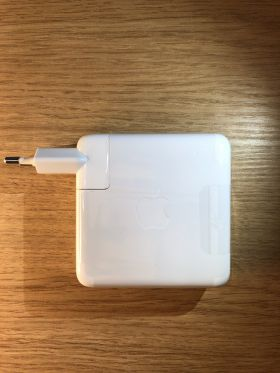 Charger APPLE MacBook 61W USB-C Power Adapter and USB-C Charge Cable